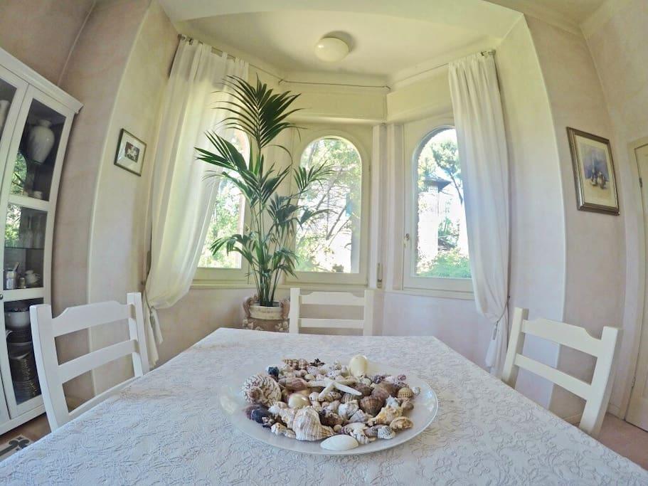 Sala da Pranzo - Dining Room - Esszimmer - Salle à manger - столовая