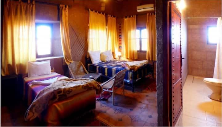 FINT: Chambre Triple au Riad Maktoub