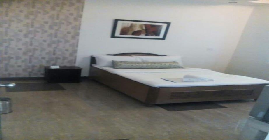 Luxurious Private Room in Nainital - Uttarakhand - Bed & Breakfast