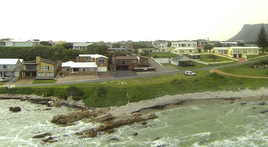White Shark Lodge Seafront accommodation