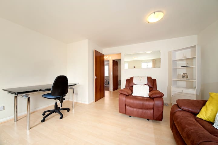 Luxury 2 bedroom flat by the Thames - Londen - Appartement