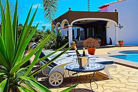 Private Country house Denia for max. 12 people - La Xara - Willa