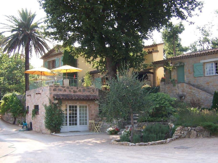 chambres indépendantes avec terrasses privées