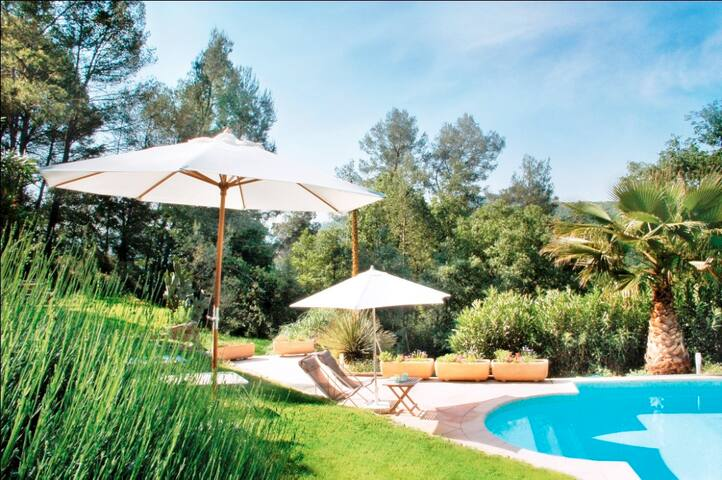 Mas provençal en pierres , piscine - Le Tignet - Villa
