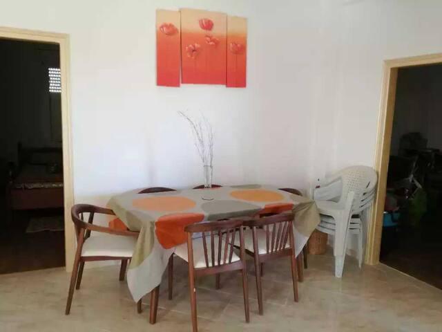 Obere Hälfte eines neu gebauten Zweifamilienhauses - Gabes - Rumah