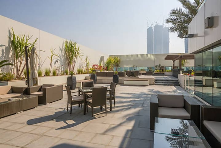 Amazing One Bed At Damac Canal View - Dubaj