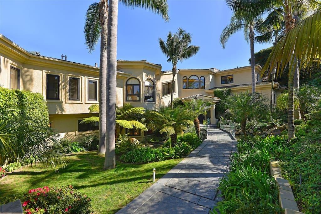 Spectacular entryway to this elegant estate!