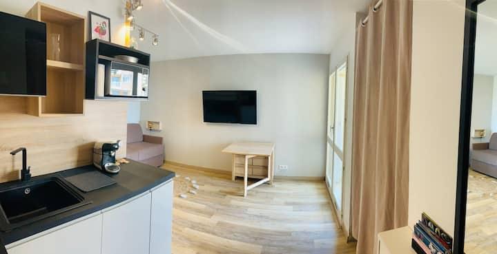 Studio Centre Ville +Terrasse  2 min de la PLAGE
