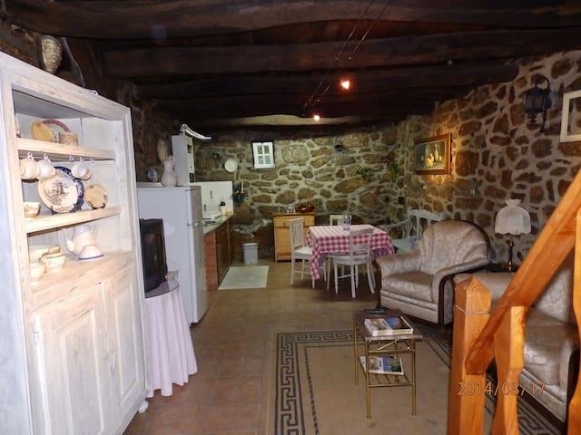 """Casa """"Ti Nascimento"""" - Lajeosa do Mondego - Casa"""
