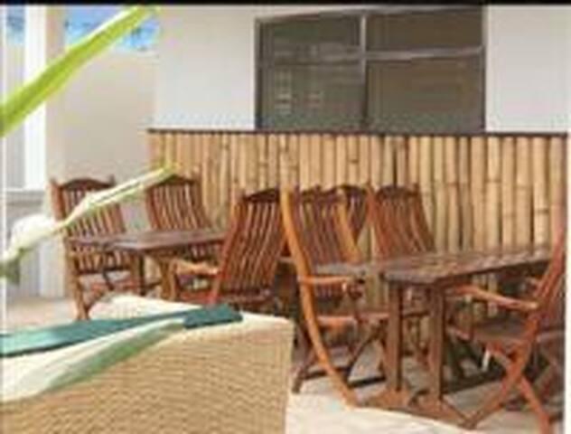 Omanye Lodge affordable, safe guesthouse Dzorwulu