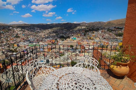 Beautiful House near by the Pipila - Guanajuato - Talo