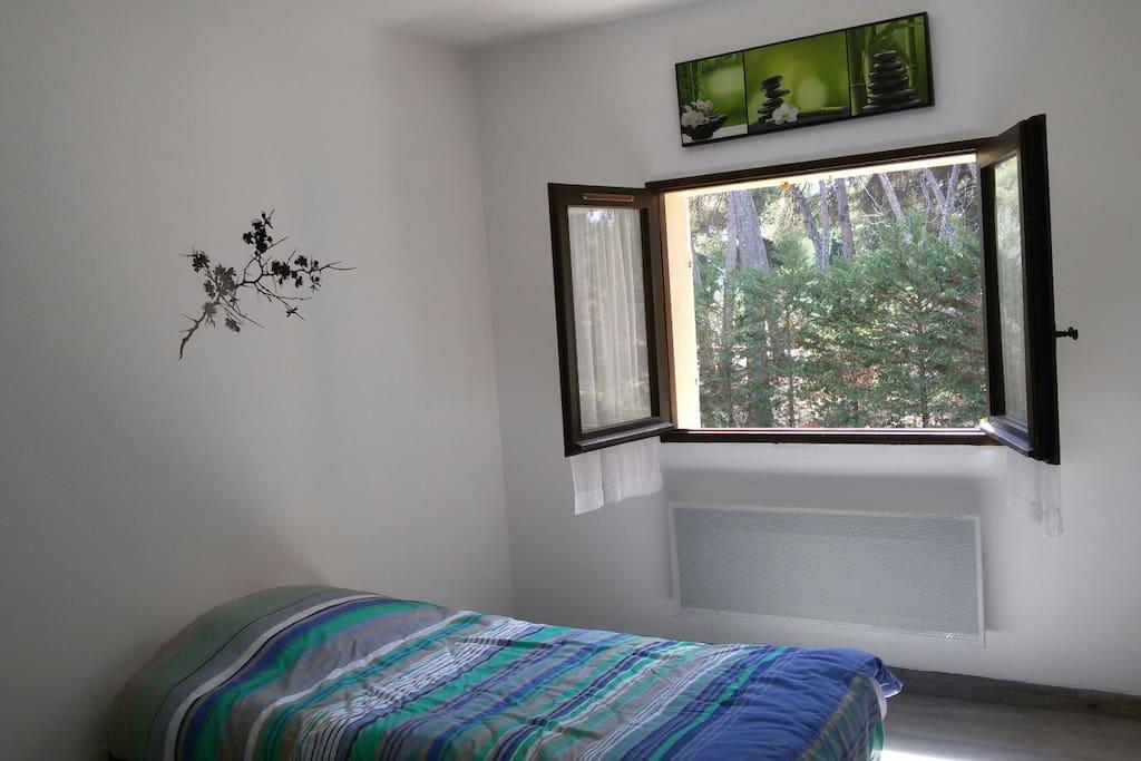 Appartement ensoleille avec terrasse appartements for Garage citroen saint cyr sur mer
