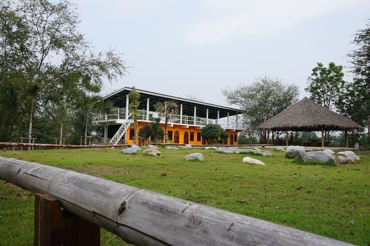 River Garden Home - TH - Hus