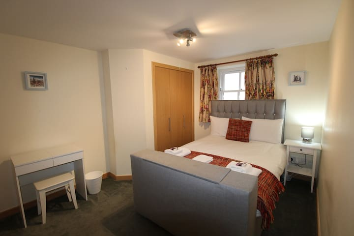 FULLY SERVICED STUDENT ROOM IN CITY CENTRE 2