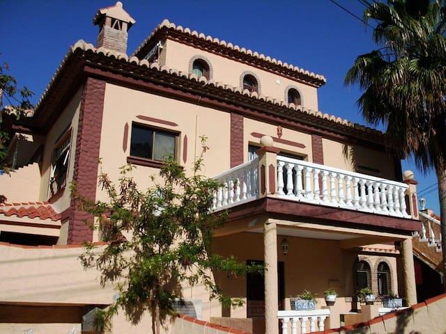 Casa mariana 1ra planta apartamentos en alquiler en - Alquiler casa almunecar ...