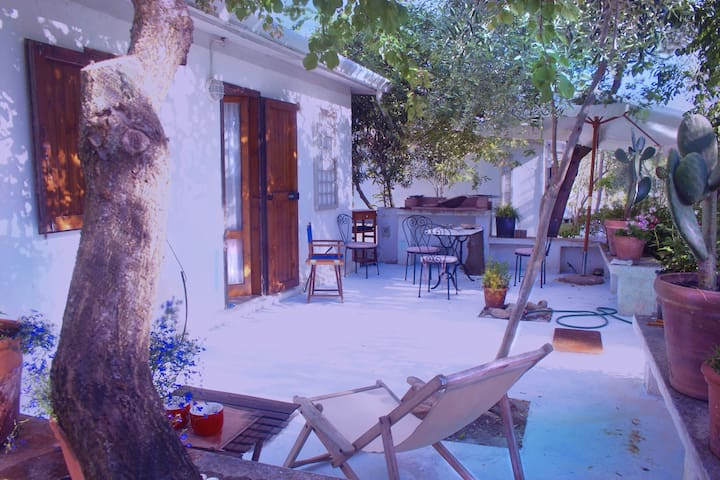 SARDINIA2 HOUSE4+GARDEN+PARKING+NEAR LARGE BEACH