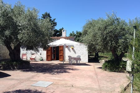 SMALL HOUSE INDEPENDENT IN SARDEGNA - Bed & Breakfast