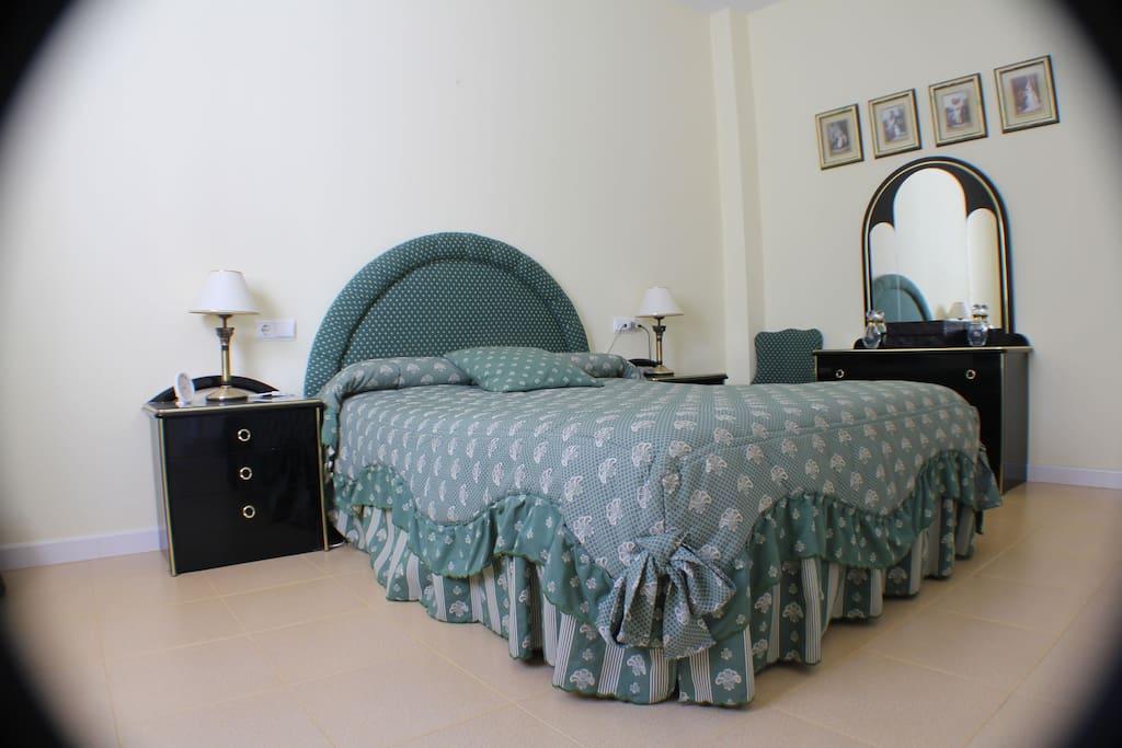 Dormitorio Principal (a)