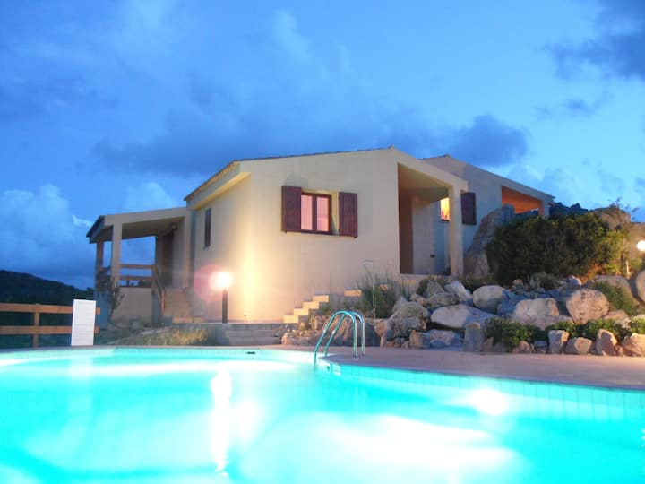Lovely villa with swimming pool amazing landscape!