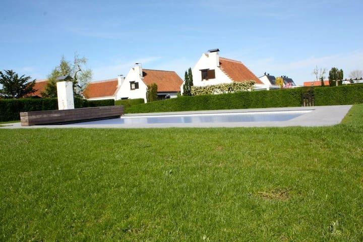 Maison de pêcheurs avec piscine - Coxyde - Huis