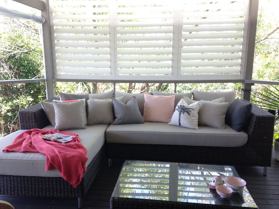 Large outdoor deck, bbq and relaxed lounging.