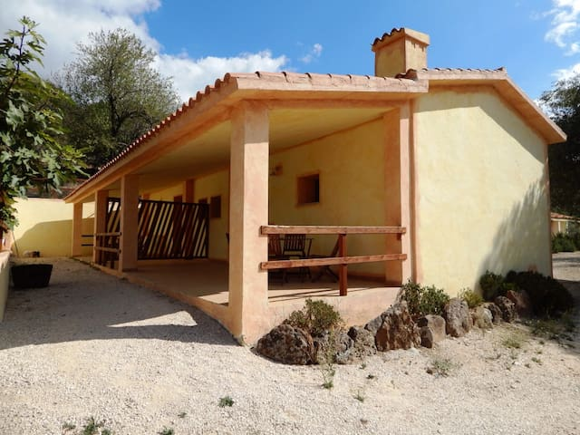Olivastro 1:new vacation home in absolute peace - Cala Gonone - House