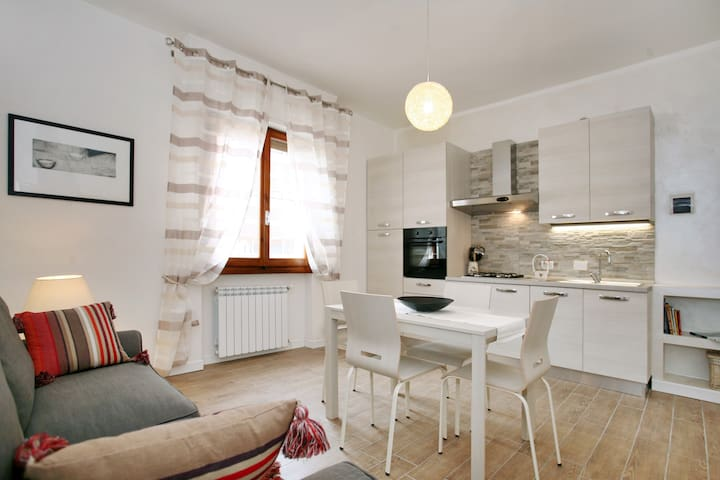 Grazioso bilocale 2passi da Firenze - Florencja - Apartament