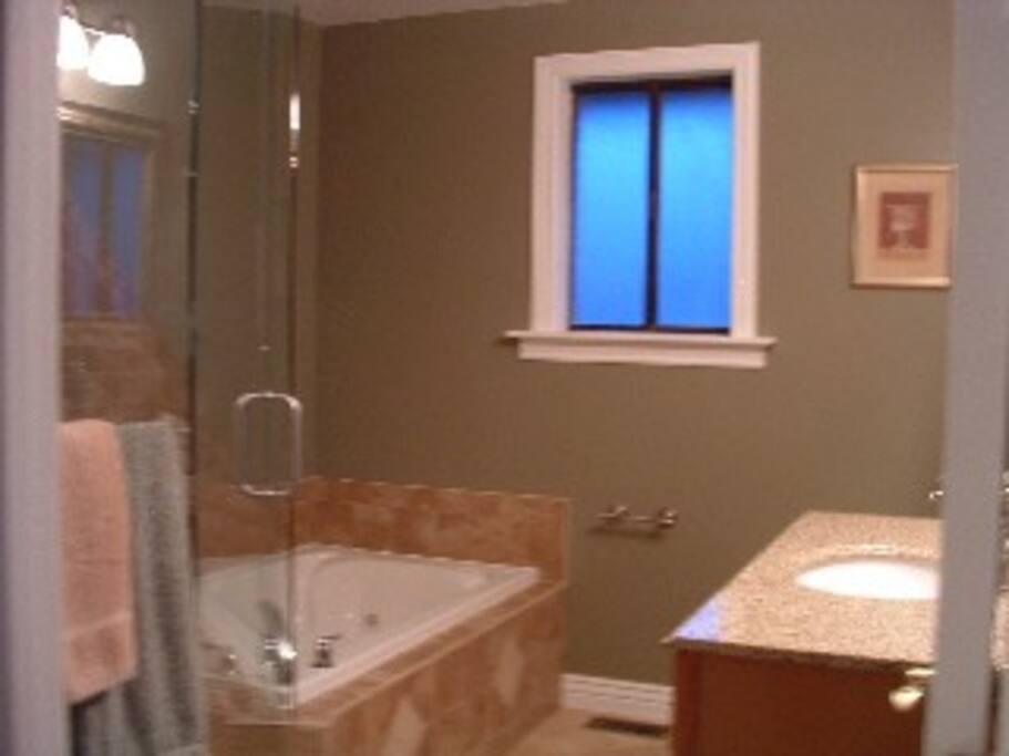 4 baths, 3 living rooms, flat screen TVs...