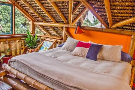 Bamboo Beach Paradise - Maverick's - Mompiche - Дом