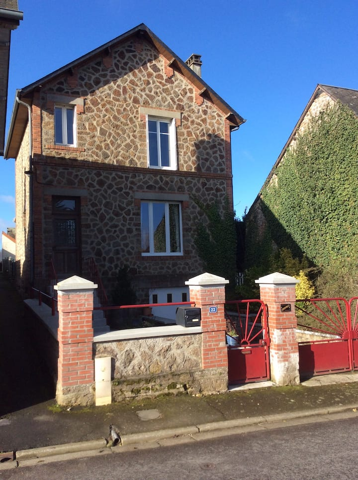 Holiday home in the village of Saint Fraimbault