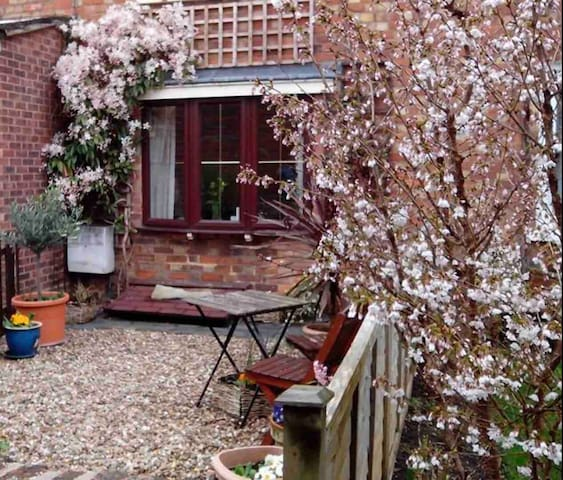 The Olive Tree ~ 19th Century Cottage ~ Tewkesbury
