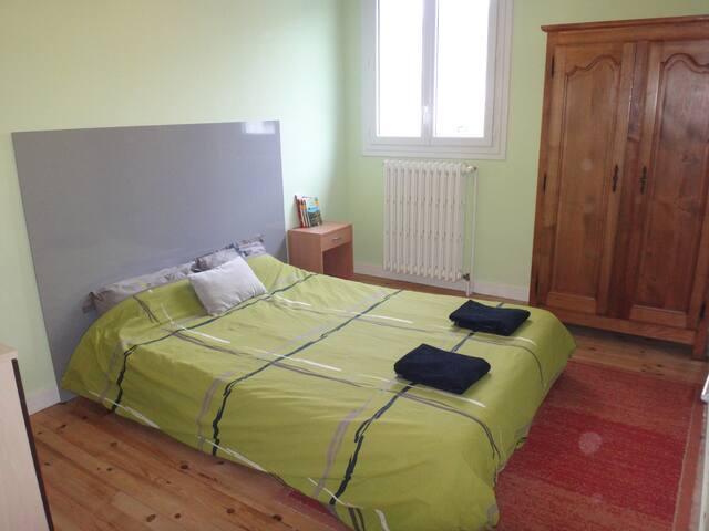 Chambre(s) au calme chez l'habitant avec petit déj - Murat - Casa