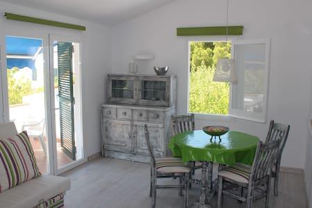 Apartamento luminoso en Cala Blanca - Pis