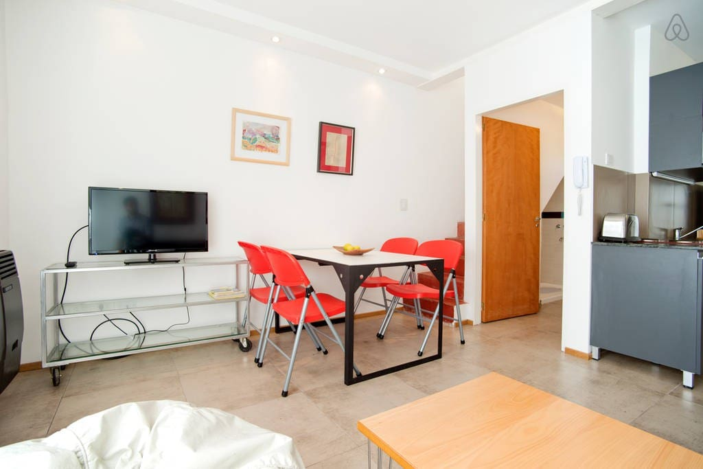 Duplex en rojo en palermo hollywood apartments for rent for Living room 10m2