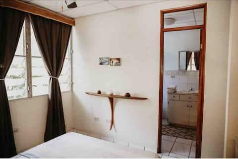 Private Room in Santa Fe near Cerro Tute and Town