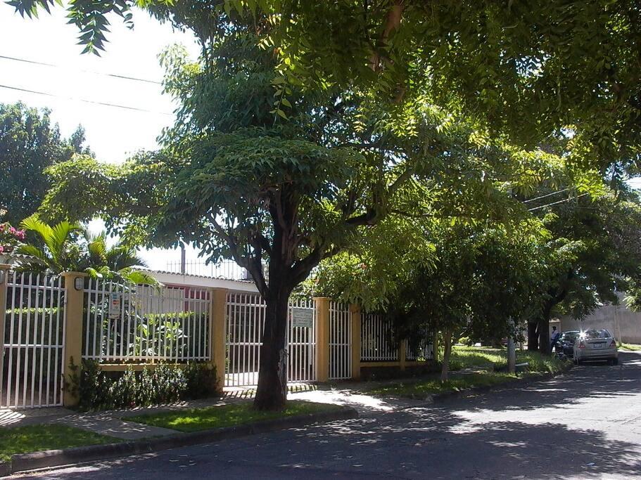 Entrada al Hostal Casa Los Espinoza