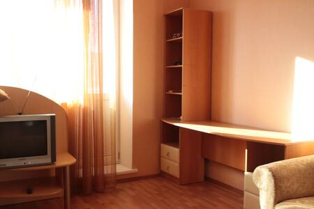 Light and cozy apartment near bus station - Tyumen'