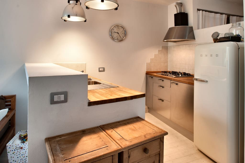 Open plan kitchen ... Fully equipped