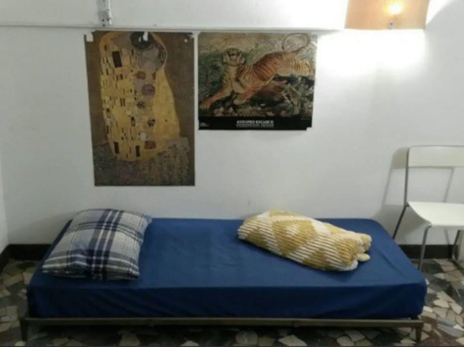 Posto letto in salotto in casa universitaria - Posto letto reggio emilia ...