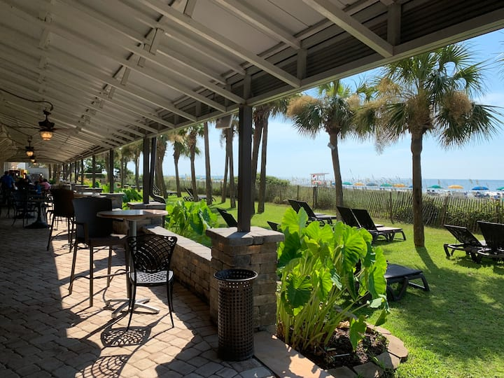 Ocean Front Condo - Excellent Resort Amenities