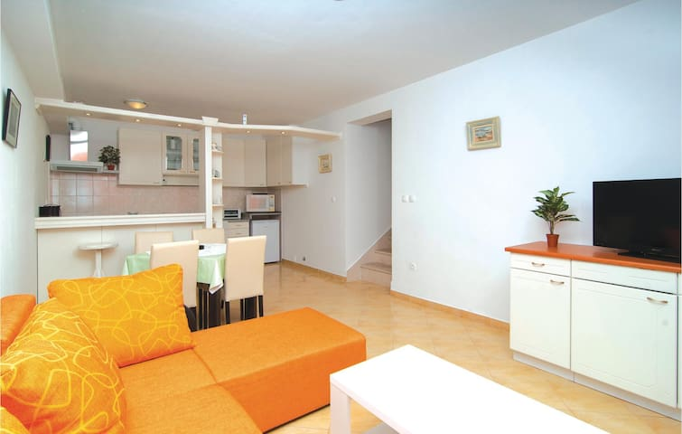 Holiday apartment for 2-4