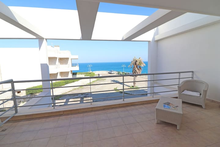 Wonderful apartment just a few Meters from the Sea with Air Conditioning; Parking available; Pets Allowed