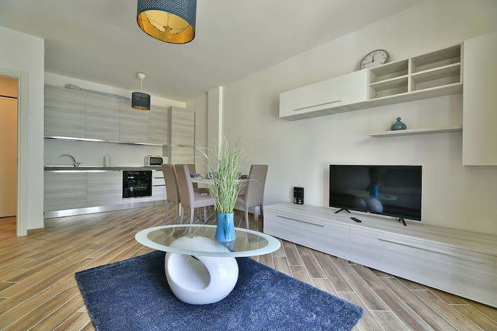 New two-room apartment, 2 free parking spaces