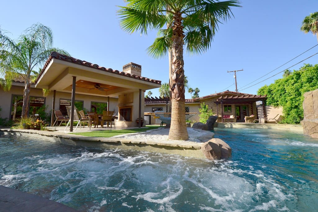 Pool With A Lazy River Villas For Rent In Palm Springs