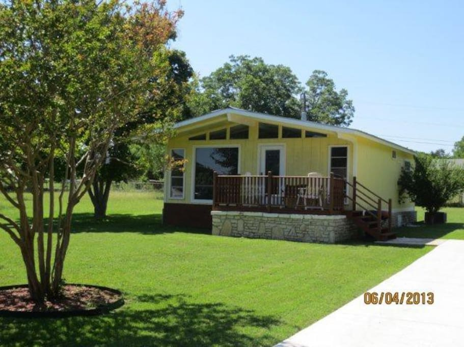 Casa blanca river lakes and lovers cottages for rent for Cabins near whitewater amphitheater