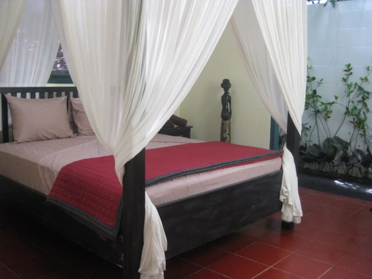 Private room with 4 post queen bed