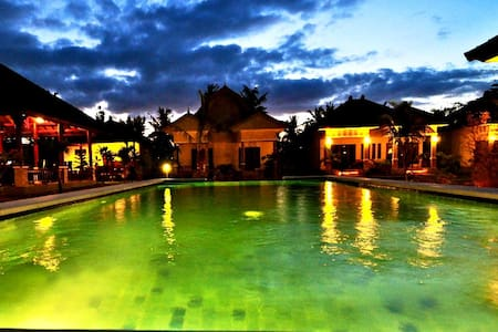 Tropical Hideaways Resort - Pemenang