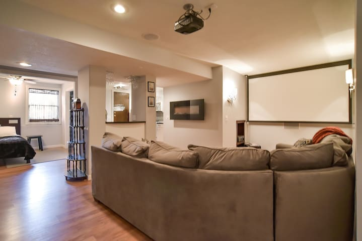 South Kansas City Condo - Grandview
