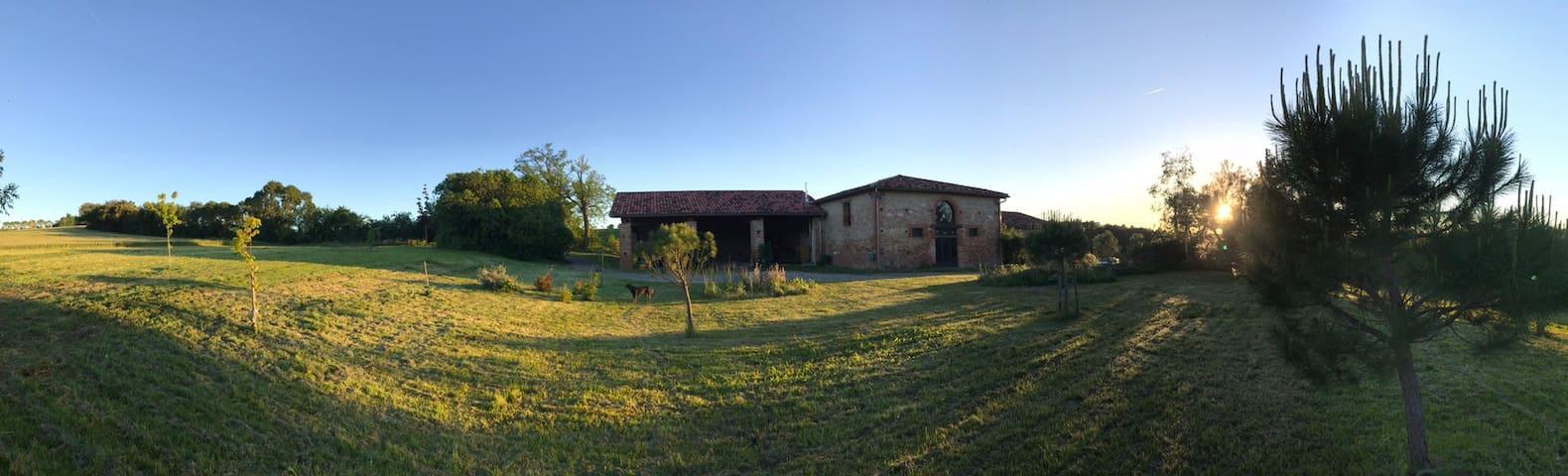 Ferme rénovée proche de Toulouse ( 20min )