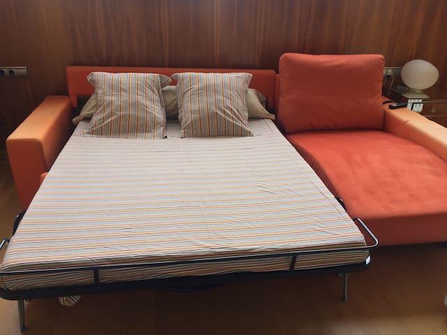 Cama de matrimonio fácilmente extraíble y muy cómoda, de 1,40 cm